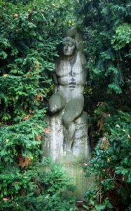 Skulptur aus Muschelkalk